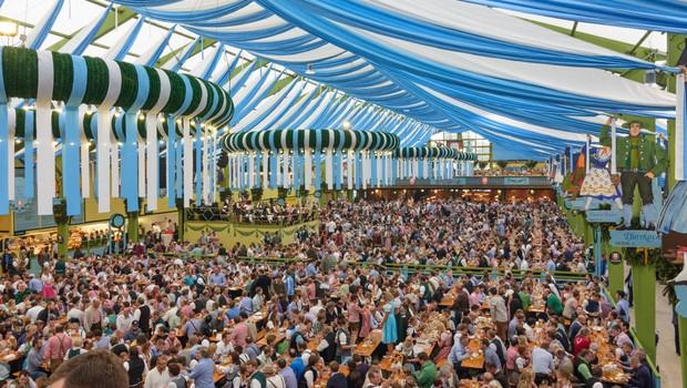 Letošnji Oktoberfest je že zagotovo odnesel koronavirus (foto: Profimedia)