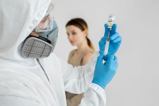 V Italiji poleti načrtujejo testiranje cepiva na ljudeh