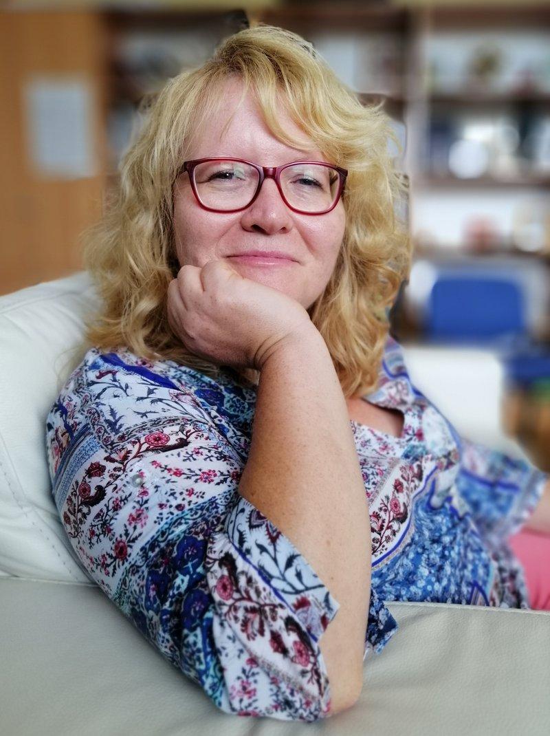 Maja Plaz, predsednica društva SOS telefon
