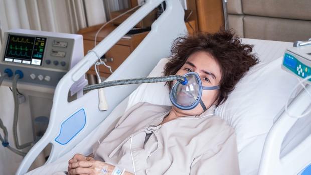 Včeraj se je število okuženih povečalo za sedem, umrla še ena oseba (foto: profimedia)