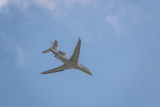 Iz Beograda poletela prva štiri od osmih letal z medicinsko opremo za Italijo