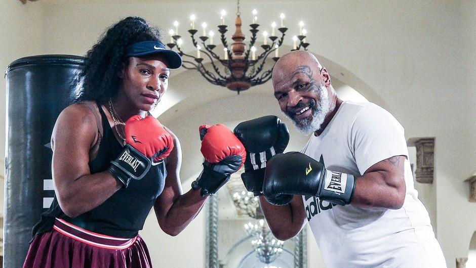 Slovitega Tysona je dobrodelnost znova zvabila v ring (foto: Profimedia)