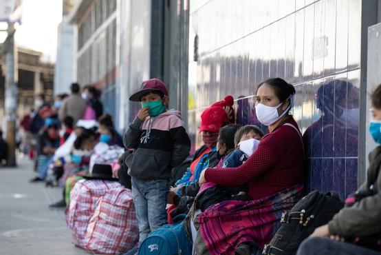 V Peruju covid-19 usoden za številne policiste, izpostavljene pri delu z ljudmi, ki kršijo ukrepe