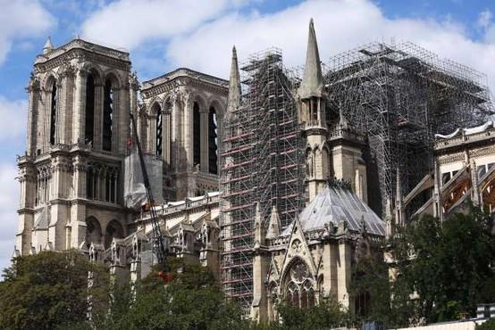 V Parizu bodo ponovno začeli obnavljati katedralo Notre-Dame