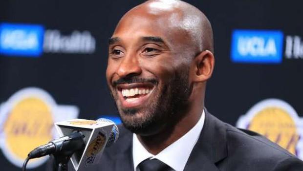Na dražbi več predmetov povezanih s preminulim Kobejem Bryantom (foto: Xinhua/STA)
