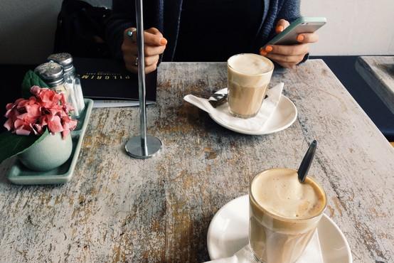 Prva stvar po odpravi karantene: od kavice s prijatelji do potovanja!