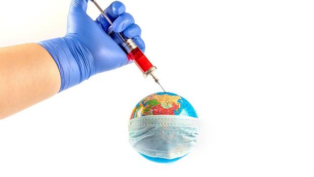 Po svetu potrjeno okuženih že več kot tri milijone ljudi (foto: Profimedia)