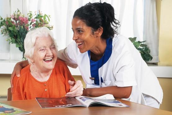 Ponovno možni obiski v domovih za starejše