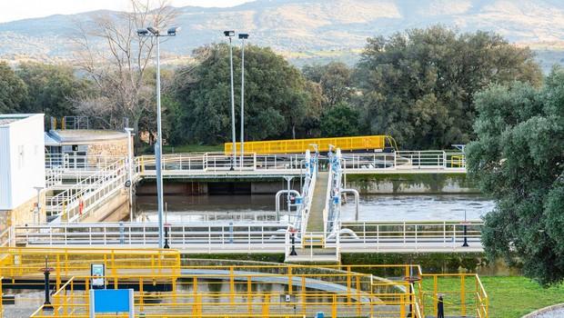 Območja višjega tveganja okužbe s koronavirusom bi lahko določili z analizo odpadnih voda (foto: profimedia)