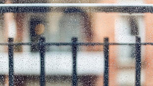 Težko pričakovani dež je prišel z nevihto in točo (foto: profimedia)