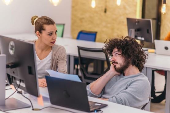 56 odstotkov zaposlenih ima občutek, da njihov doprinos ni dovolj cenjen