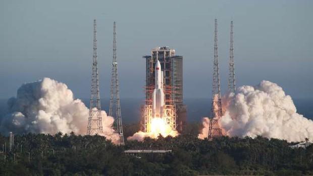 Kitajska v vesolje uspešno izstrelila nov tip rakete (foto: Xinhua/STA)