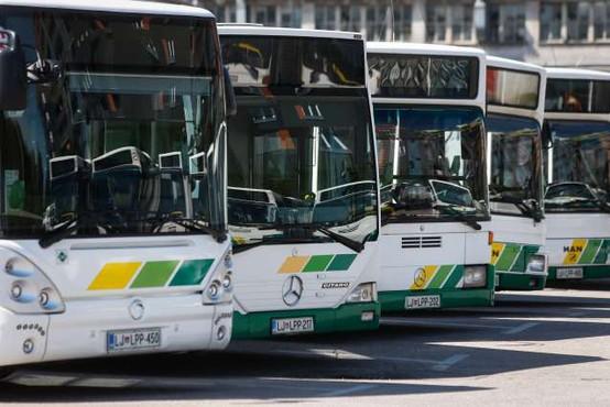 V ponedeljek bo ponovno stekel javni potniški promet