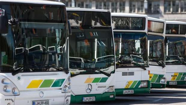 V ponedeljek bo ponovno stekel javni potniški promet (foto: Anže Malovrh/STA)