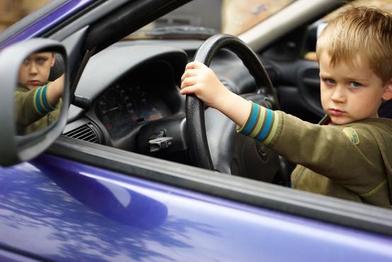 Petletnik se je usedel za volan in se sam odpeljal proti Kaliforniji