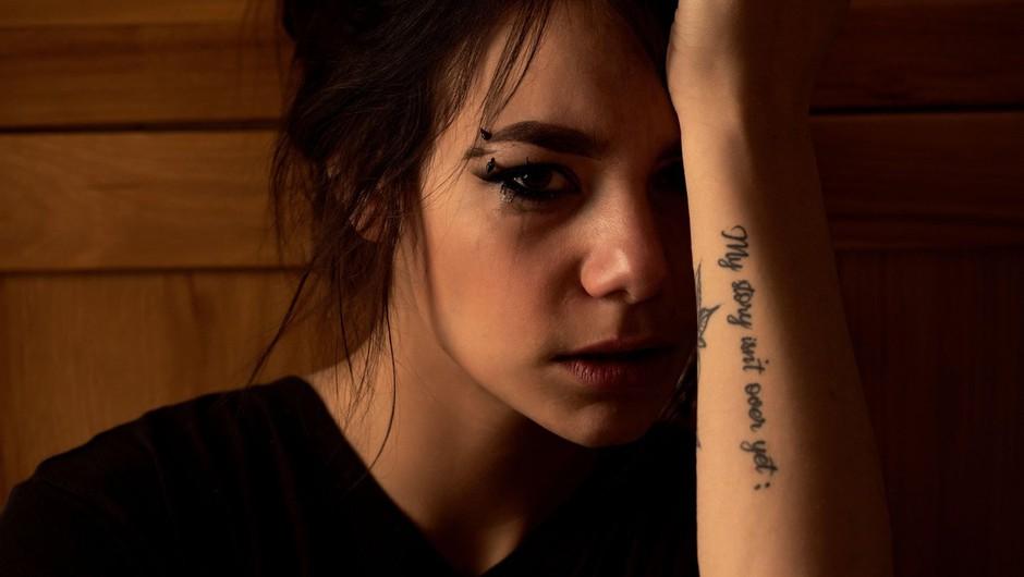 Zakaj se bojimo ljudi z duševnimi motnjami (in: ali so resnično nagnjeni k nasilju)? (foto: profimedia)