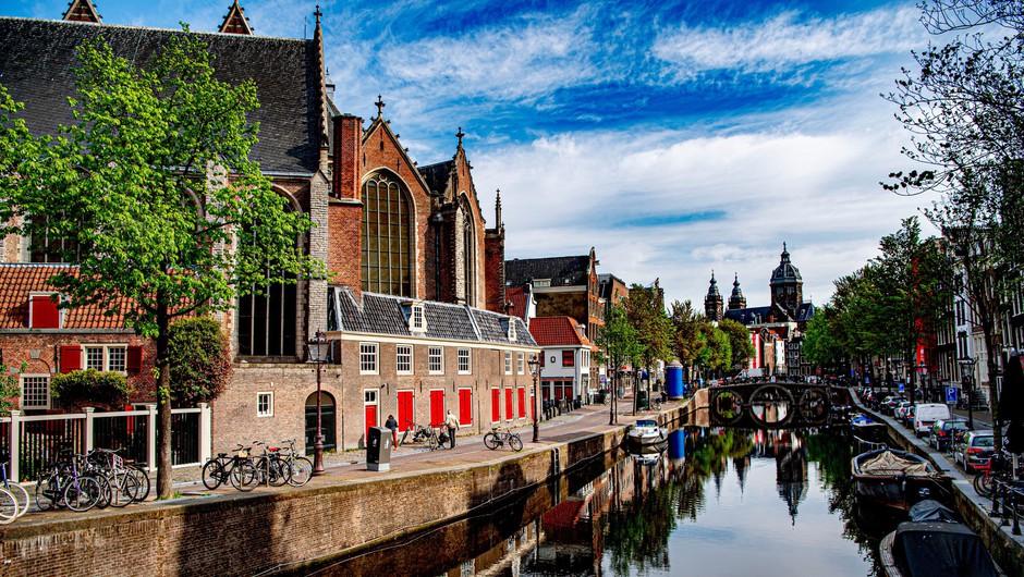 Amsterdam po pandemiji ne želi več privabljati turistov, ki iščejo samo divjo zabavo (foto: Profimedia)