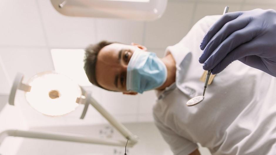 Vlada je z odlokom znova uvedla vse zdravstvene in zobozdravstvene storitve (foto: profimedia)
