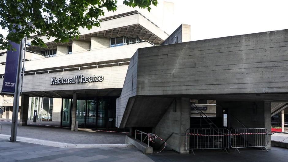 Narodno gledališče v Londonu je igralcem ponudilo plačilo za predstave na spletu (foto: profimedia)