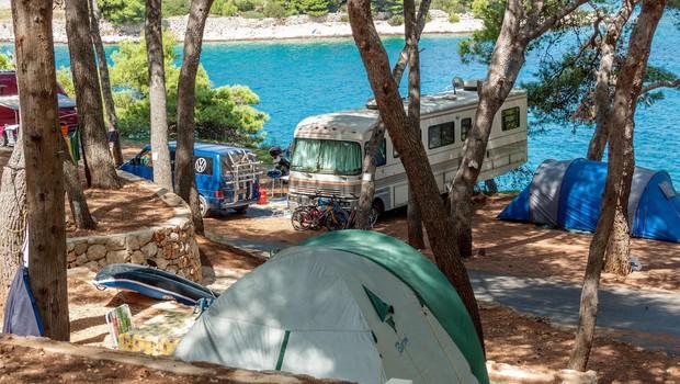 Priporočila epidemiologov za obratovanje hotelov, apartmajev in kampov na Hrvaškem (foto: Profimedia)