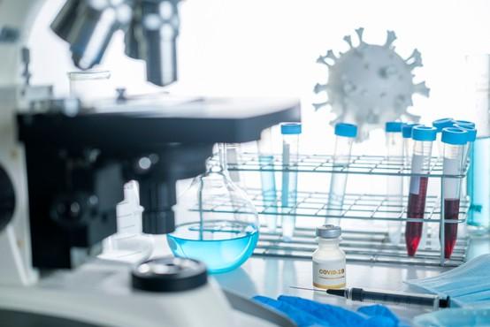 Na svetu več kot sto kandidatov za razvoj cepiva proti koronavirusu