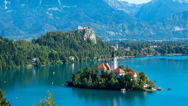 Blejski turizem se obrača na slovenske goste in jim ponuja več za isto ceno (foto: Profimedia)
