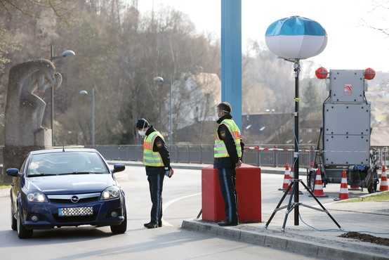 Nemčija odprla mejo z Luksemburgom, na mejah s Švico in Avstrijo rahlja ukrepe