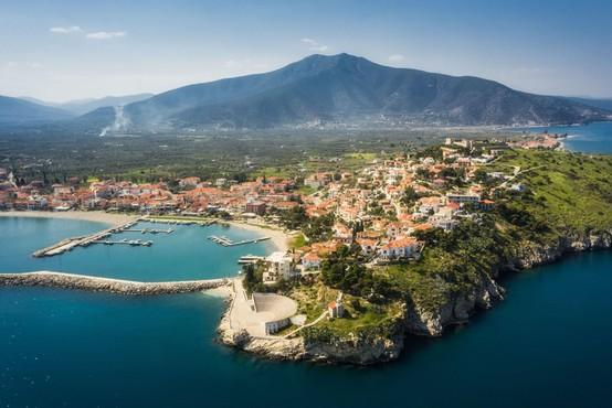 Grške plaže so kopalcem pod posebnimi pogoji spet na voljo