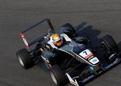 Dirkač F1 Charles Leclerc je zaradi tekme na spletu pustil dekle slabe pol ure pred vrati