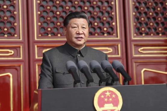 Kitajski predsednik obljubil cepivo in dve milijardi dolarjev