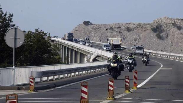 Hrvaška namerava uvesti brezplačno mostnino za otok Krk (foto: Hina/STA)