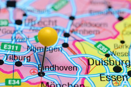 Na Nizozemskem kuna s koronavirusom okužila delavca