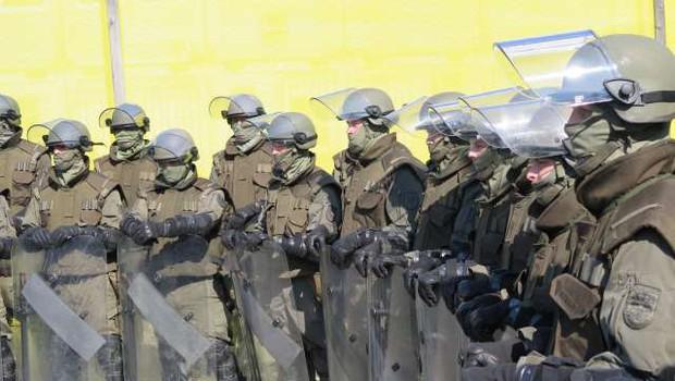 Avstrijske meje bo naslednja dva meseca varovala vojska (foto: Andreja Seršen Dobaj/STA)