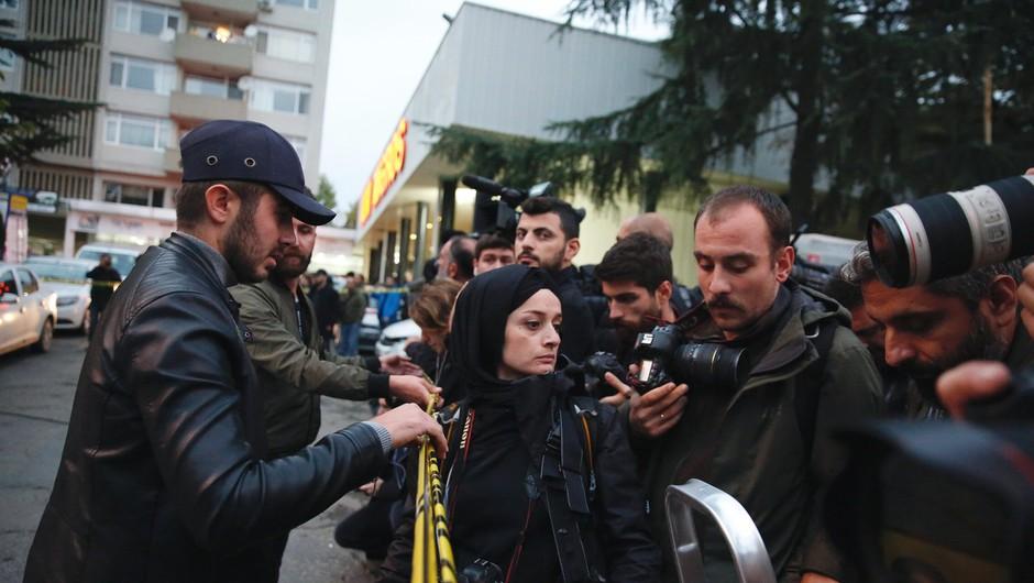 Otroci na savdski ambasadi v Istanbulu brutalno umorjenega novinarja Džamala Hašodžija odpustili morilcem (foto: profimedia)