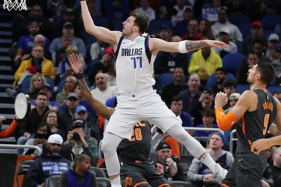 Bralci časnika L'Equipe so v najboljšo peterko NBA uvrstili slovenskega asa Luko Dončića