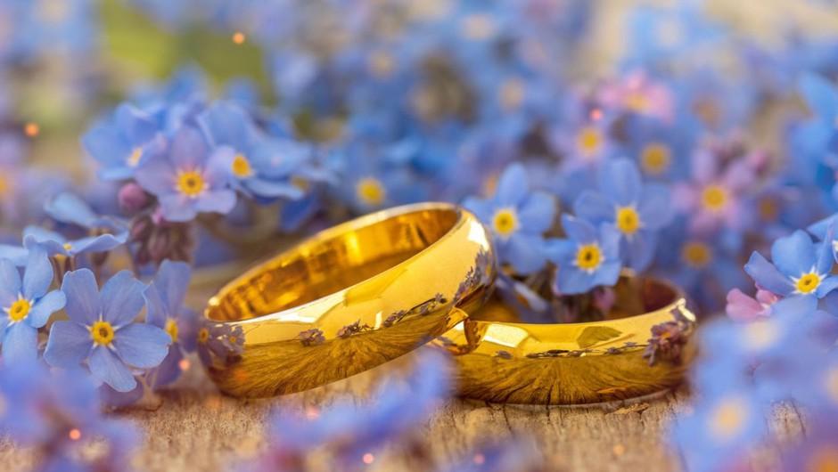 Za poročno slavje omejitev zbiranja ne velja, za prireditve in dogodke po navodilih NIJZ (foto: profimedia)