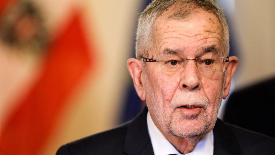 Avstrijski predsednik se je opravičil, ker je kršil ukrepe za zajezitev epidemije (foto: profimedia)