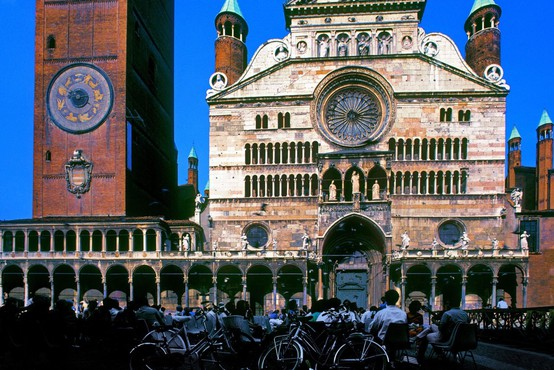Italijanska oblast zaskrbljena, ker mladi po odpravi karantene ne upoštevajo previdnostnih ukrepov