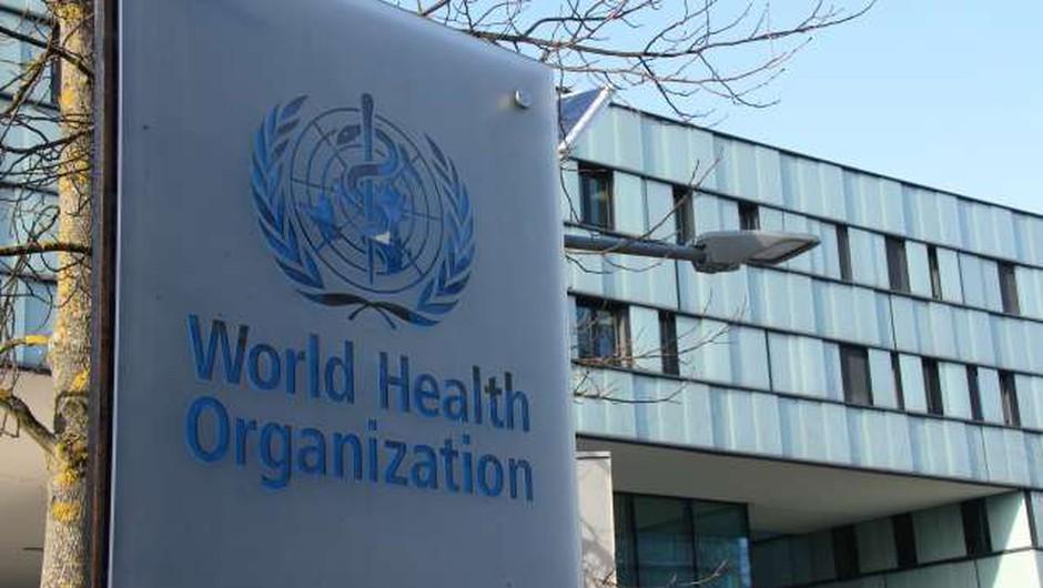 WHO začasno prekinila testiranje potencialnega zdravila za covid-19 (foto: Xinhua/STA)