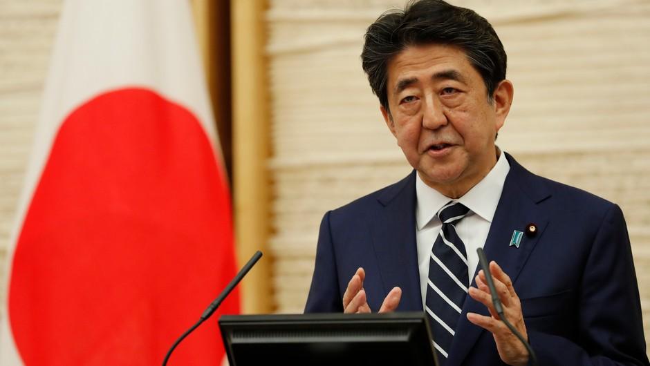 Japonski premier odpravil izredne razmere zaradi koronavirusa (foto: Profimedia)