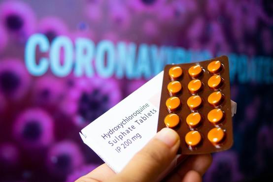 Francoska vlada prepovedala uporabo hidroksiklorokina pri bolnikih s covidom-19