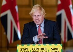 Boris Johnson z dovoljenjem kraljice telovadi na posestvu Buckinghamske palače