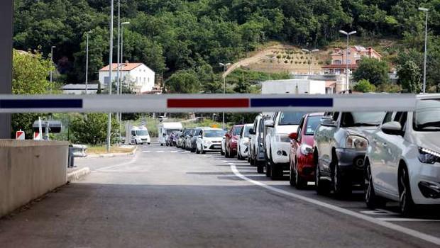 Slovencem ni več treba navesti razloga za vstop na Hrvaško (foto: Daniel Novakovič/STA)