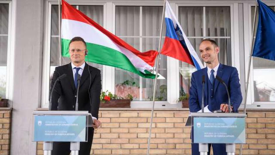 Slovenija in Madžarska odpravili omejitev prehajanja meje (foto: Nebojša Tejić/STA)