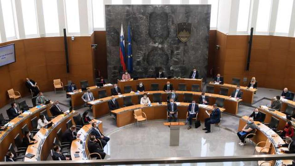 Vlada spravila pod streho tretji protikoronski paket ukrepov (foto: STA/Nebojša Tejić)