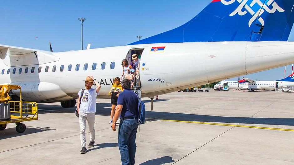 Na Brniku danes po dolgem času dočakali prvi redni potniški let (foto: Shutterstock)