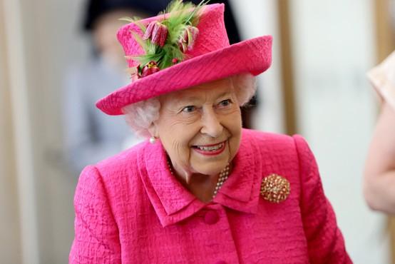 Kraljica Elizabeta ponovno nazaj v sedlu