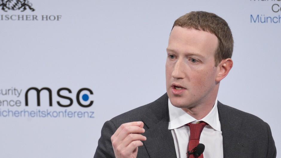 Zaposleni pri Facebooku protestirajo proti dejanjem šefa Zuckerberga (foto: Profimedia)