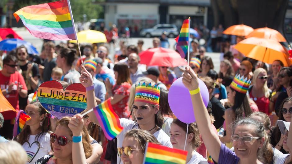 Kako mavrična je Slovenija v resnici? (LGBTQ+ reprezentacija v slovenskih medijih) (foto: Profimedia)