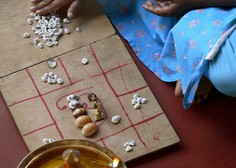 Cepivo proti koronavirusu nam bo na voljo 23. septembra, sporočajo indijski astrologi!